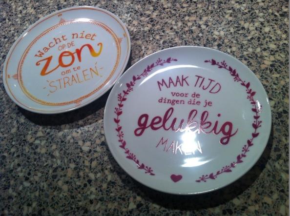 Twee leuke bordjes gehaald bij een stukje Maaslander kaas bij de AH.